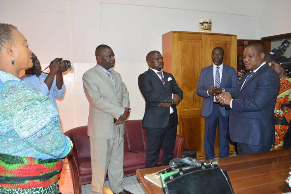 SEM Le Ministre du MEDD Maitre Claude Nyamugabo Bazibuhe au service du Fonds Forestier National (FFN)