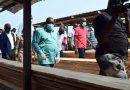 Maître Claude NYAMUGABO BAZIBUHE, Ministre de l'Environnement et Développement Durable annonce la saisie de toutes les grumes illégales dans les ports de Kinshasa
