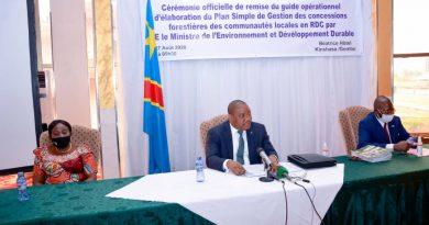 Environnement et développement durableClaude NYAMUGABO disponibilise le guide opérationnel de l'élaboration du plan simple de gestion des concessions forestières des communautés locales en Rdc