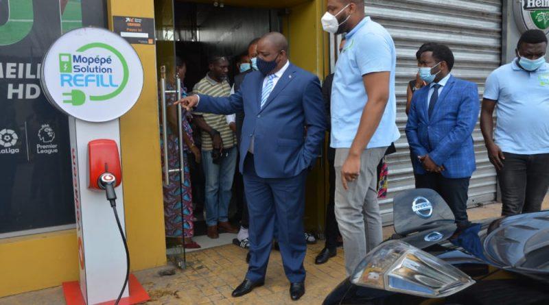 Environnement et Développement Durable Me Claude NYAMUGABO pour la Réduction d'émissions de Gaz Carbone et Sonores dans le Secteur des Transports.