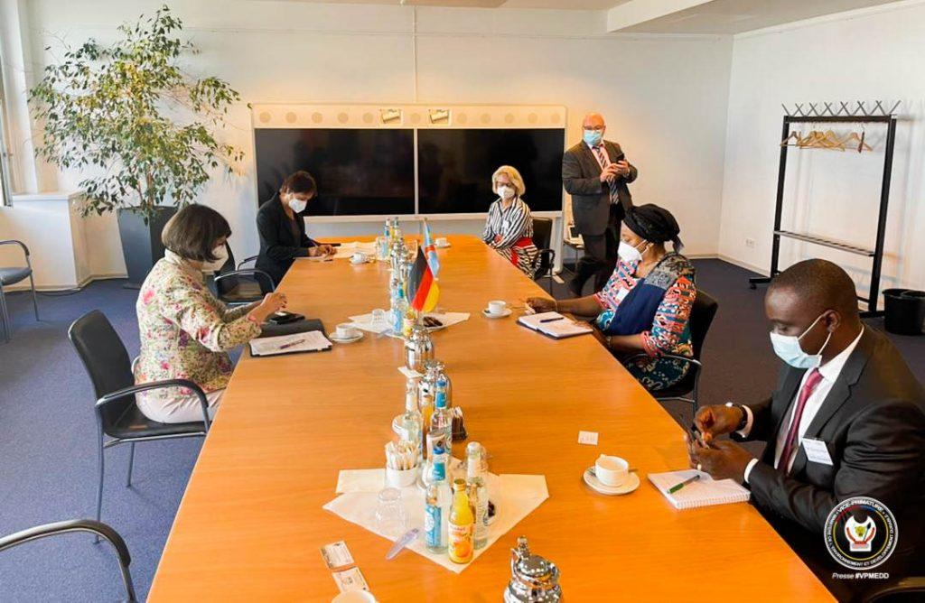 Préservation des Forêts du BassinduCongo: Eve Bazaïba prend part au Symposium sur les forêts tropicales à Berlin