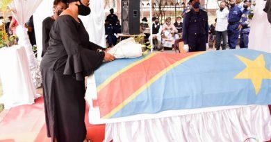 La Vice-Premier Ministre, Eve Bazaïba Masudi rends ses derniers hommages